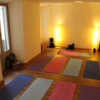 salone yoga namaskar savona